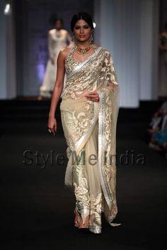 Ashima Leena at Aamby Bridal Fashion Week 2012 Bridal Sari, Indian Bridal, Indian Attire, Indian Wear, India Fashion, Asian Fashion, Indian Dresses, Indian Outfits, Saris