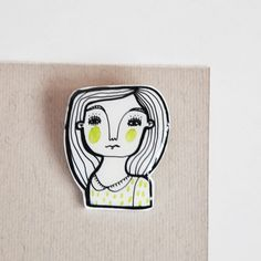 brooch plastic pink and white portrait pin  Lizzy by ireneagh, €12.00