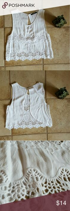 *PRICE DROP*cute white open back top cute top in great condition Tops