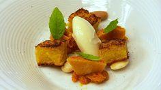 Niklas Ekstedt lager mandelkake på den danske restauranten Geranium. Han sliter…