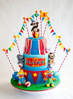 Wow - Mateos Circus cake bu It's a Cake Thing Carnival Cakes, Circus Cakes, Cupcakes, Cupcake Cakes, Kids Party Decorations, Party Ideas, Sugar Craft, Occasion Cakes, Cakes For Boys