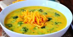 Perfect Broccoli Cheese Soup is perfectly thick, creamy, and cheesy. The ultimate comfort food! Thanks Iowa Girl Eats! Chili Recipes, Soup Recipes, Cooking Recipes, Healthy Recipes, Free Recipes, Pasta E Fagioli Soup, Broccoli Cheese Soup, Broccoli Cheddar, Soup And Sandwich