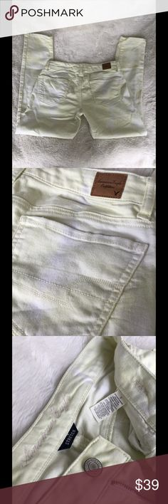 American Eagle jeggings Super cute jeggings! They are a nice soft yellow with clouds of white for its pattern. Ankle cut, and in great condition. Perfect for Spring and Summer! American Eagle Outfitters Jeans Ankle & Cropped