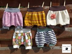 Baby Knitting Patterns Pants FREEBOOK: Short bloomers for summer sewing (size Baby Summer Dresses, Diy Summer Clothes, Summer Dress Patterns, Summer Outfits, Kids Clothes Patterns, Sewing Patterns For Kids, Clothing Patterns, Kids Clothes Storage, Kids Clothes Organization