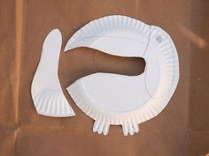 cut out your paper plate toucan parts: