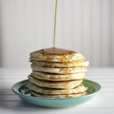 Pancakes: η βασική συνταγή | tlife.gr Pancakes, Food And Drink, Homemade, Breakfast, Desserts, Recipes, Morning Coffee, Tailgate Desserts, Deserts