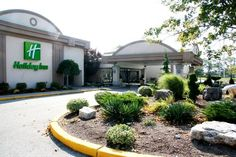Full service hotel, newly renovated bedrooms with restaurant/lounge, 2 heated pools and full fitness centre. Kids stay free and eat free! Featuring conference facilities, business centre and free wireless internet access.   http://www.hicambridge.ca