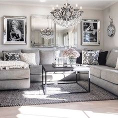 Gold, silver, stainless steel, and brass are all popular types of metal home decor. But, what are the best way to use metal home decor?    #metalhomedecor #metalhomeaccessories #metalhomeaccents #homedecorating #decoratingideas Black And Silver Living Room, Living Room White, Small Living Rooms, Glamour Living Room, Chic Living Room, Cozy Living, Home Interior, Interior Design Living Room, Interior Plants