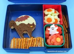 Cat on a Fence the Night of the Full Moon Halloween bento. #lunchbox #Halloween #Laptoplunches