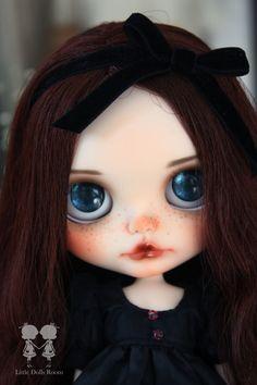 OOAK Custom Blythe Doll for Adoption : Matilda