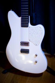 Jazzcaster Carbonita 2TEK-Ghost