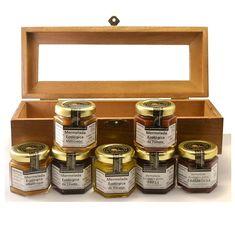 """Caja de Madera barnizada """"Degustación"""" con 7 miniaturas de 50 g de Mermeladas Ecológicas. Ideal como detalle o para regalo."""