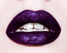 Makeup How-To: Two-Toned Ombrè lip