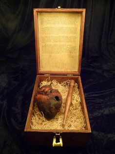 Here you go to all you vampire feans! :) The mummified heart is said to be that of vampire Auguste Delagrance, responsible for the deaths of more than forty people back in the 1900, a period of vampirism in the USA. When identified, Delagrance was hunted down by a Romano Catholic priest and a Voodoo Hougan, and and destroyed in 1912.