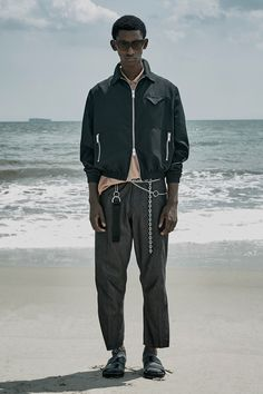See the complete Siki Im Spring 2018 Menswear collection.