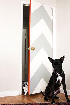 Межкомнатные двери в интерьере (55 фото): как обновить своими руками?