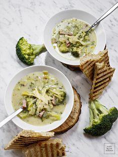 Kremowa zupa brokułowa bez śmietany - zupa fit. Szybka zupa z brokuła, kremowa, odchudzona.