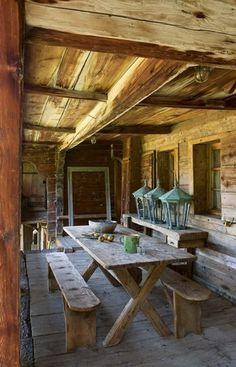 Une terrasse ouverte sur la montagne - Chalet brut pour dépaysement garanti…