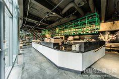 柏林索尼中心星巴克店室内设计