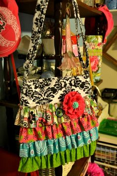 Upcycle Cross Body Bag Tutorial - The girls would love to make this
