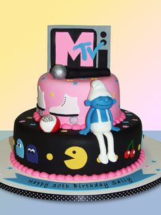Remember when MTV actually played music videos? Yeah, this cake is about all things good :)