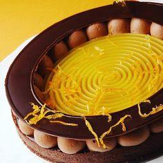 @dominiquecosta5693 devoile une splendide tarte orange chocolat au brunch du @thepeninsulaparis #regram   #orange #chocolat #chocolate #tart #tarte #foodart #foodie .