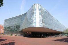 Stadhuis Alphen aan de Rijn zijde Hoofdingang (Erick van Egeraat)