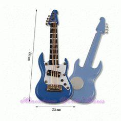 Guitare en bois - MAGNETGEB 1/12ème #maisondepoupées #dollhouse #guitare #guitar #instrument #musique #music #miniatures #miniature #bois #wood