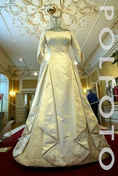 Crown Princess Mary's wedding gown
