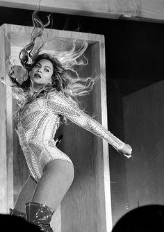 Beyoncé uploaded by Jayne Reed on We Heart It 4 Beyonce, Queen Bee Beyonce, Beyonce Knowles Carter, Beyonce And Jay Z, Divas, Cute Celebrities, Celebs, Beyonce Performance, King B