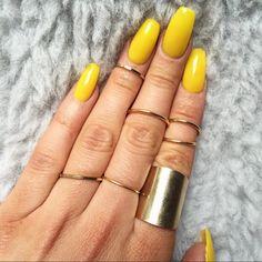 Yellow nails | nail polish | spring summer