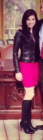 I so adore Dana in boots.
