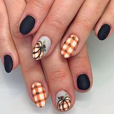 Thanksgiving nails inspiration is a must. Such attributes of the fall as rain, wine, yellow leaves, and turkey are unchangeable. But your nails are always different, unlike the fall. Step aside… Fall Gel Nails, Fall Manicure, Fall Acrylic Nails, Toe Nails, Cute Fall Nails, Halloween Acrylic Nails, Pointy Nails, Autumn Nails, Shellac Nails