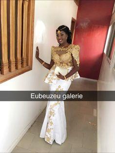 Poupé African Bridesmaid Dresses, African Wedding Attire, African Dresses For Women, African Attire, African Fashion Dresses, Lace Dress Styles, Ankara Gown Styles, African Traditional Wedding, African Traditional Dresses