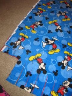 Instructions on How To Make A Fleece Tied Blanket – Perfect for Gift Giving! {Tutorial}   Mom Spotted