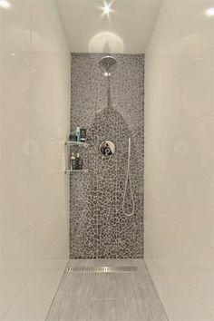 https://i.pinimg.com/236x/8f/24/2a/8f242a846d1e155d23a5cc41dda3ce38--amsterdam-bathroom-ideas.jpg