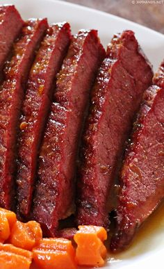 Glazed Corn Beef and Cabbage with Horseradish Cream Sauce family reunion meals;summer family dinner recipes Healthy Dinner Ideas for Delicious Night & Get A Health Deep Sleep Corn Beef And Cabbage, Cabbage Recipes, Glazed Corned Beef And Cabbage Recipe, Sauce For Corned Beef, Corned Beef Glaze Recipe, Healthy Family Meals, Healthy Recipes, Family Recipes, Whole30 Recipes