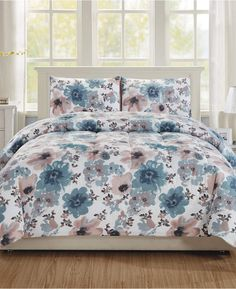 Hallmart Collectibles Brigitta Full/Queen Comforter Set, a Macy's Exclusive Style Bed & Bath - Bed in a Bag - Macy's Twin Comforter Sets, Bedding Sets, King Comforter, Floral Comforter, Lounge Furniture, Space Furniture, Cool Comforters, Buy Bed, Bed In A Bag