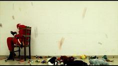 Moussa Sarr, Imposture , 2011  vidéo 16:9e, 1'34