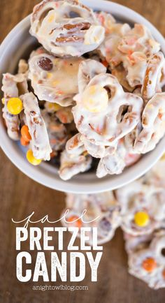 This Fall Pretzel Candy is the perfect EASY treat for your Halloween and fall holiday parties and more! MichaelsMakers A Night Owl Blog