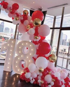 46 Awesome DIY Balloon Decor Ideas Inspirations for Your Coming Party These trendy DIY and Craft ideas would gain you amazing compliments. Check out our gallery for more ideas these are trendy this year. Sweet 16 Decorations, 21st Birthday Decorations, 18th Birthday Party, Balloon Decorations Party, Balloon Garland, Decoration Party, Accessoires Photo, Baby Shower Balloons, Anniversary Parties