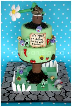 """plants vs zombies"" cake by Taart van Bianca 10th Birthday, Birthday Parties, Birthday Cake, Zombie Party, Plants Vs Zombies, Apocalypse, Birthdays, Food And Drink, Party Ideas"