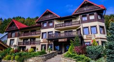 Smile Pieniny Szczawnica Located in the picturesque mountain resort of Szczawnica, Hotel Smile Pieniny features spacious, modern or mountain-style rooms with a private bathroom, TV and refrigerator. Some rooms have a balcony.