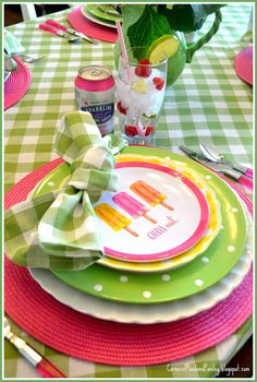 Corner of Plaid and Paisley: Refreshing Summer Table - adorable colorful table setting Pink Table Settings, Beautiful Table Settings, Place Settings, Decoration Table, Summer Table Decorations, Summer Parties, Garden Parties, Holiday Tables, Tablescapes