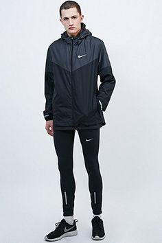Nike Vapour Jacket in Black - Urban Outfitters