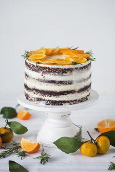 Удивить своих гостей не так-то просто, учитывая какое многообразие продуктов сейчас есть на прилавках магазинов, но этот шоколадный торт с мандариновым курдом не может не удивить даже истинных гурманов! Мои любимые нежные шоколадные коржи, классический сливочный крем и интересноедополнение в виде мандаринового курда, которое и делает этот торт особенным! Несмотря на достаточно длинныйрецепт, торт делается...Read More »