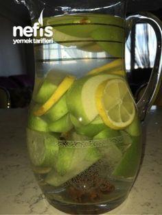 Zayıflatan İçecek (12 Günde 5 Kilo) 4 adet çubuk tarçın 1 adet Limon 2 adet yeşil elma 1 litre su