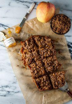Apple and Peach Jam Streusel Pie Bars with olive oil Sugar Free Desserts, Vegan Dessert Recipes, Homemade Desserts, Vegan Sweets, Healthy Desserts, Easy Desserts, Vegan Food, Delicious Recipes, Cake Recipes