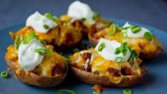 Perfekt snacks til VM i Falun Chorizo, Bon Appetit, Food Inspiration, Baked Potato, Hamburger, Recipies, Food And Drink, Appetizers, Potatoes