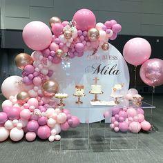 Balloons by Dina ( Birthday Balloon Decorations, Birthday Balloons, Reception Decorations, Event Decor, Baby Birthday Cakes, Girl Birthday, Birthday Parties, Butterfly 1st Birthday, Deco Ballon